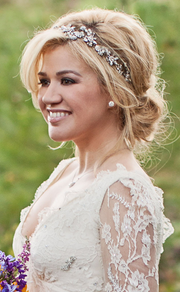 rs_634x1024-131024093325-634.kelly-clarkson-wedding-hair.ls.102413_copy