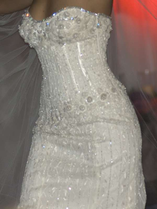 Dazzling-Diamond-Studded-Wedding-Dress