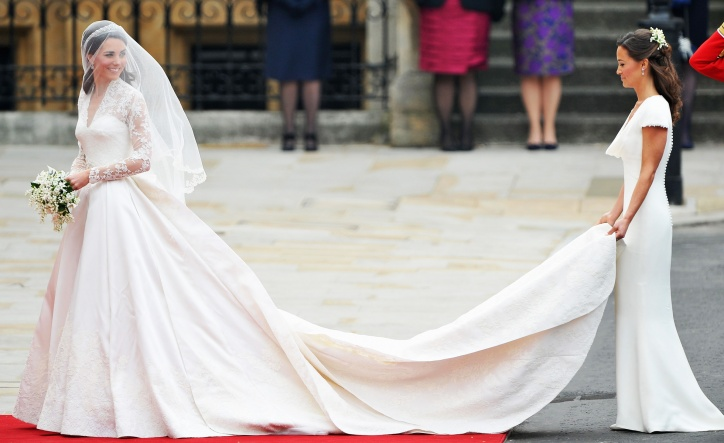 img-kate-middleton-wedding-dress_075548914142.jpg_article_gallery_slideshow_v2