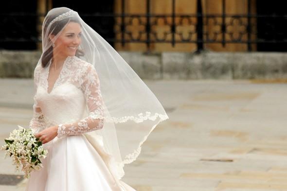 kate-middleton-royal-wedding-prince-william-dress-590jn042911