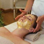 Gold-Facial-Treatment-24-karat-gold-mask
